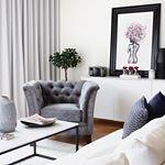 Hur sk?nt hade det inte varit att bara krypa ihop i v?r fina Lexington f?t?lj med en gosig pl?d s?dana h?r halvkalla kv?llar Den fina bilden ?r tagen av @roombynat ~ ~ ~ #trendrum #interiordesign #interior #livingroom #inredning #furniture #design #scandinaviandesign #home #homeinspo #inspiration #interior123 #picoftheday #potd #beautiful #style #decoration #decor #livingroominspo #sweden #swedish #grey #velvet
