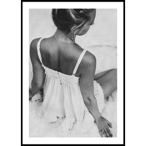 WOMAN IN DRESS - Poster 50x70 cm & 199.00