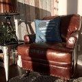 Cairo Howard fåtölj - antikbehandlat skinn